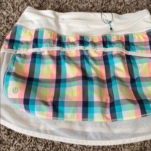 Lululemon super cute skirt size 4